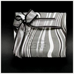9029572-modern-silver-gift-box-with-bow-at-black